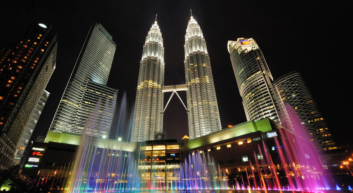 kaula-lumpur-at-night_704x385