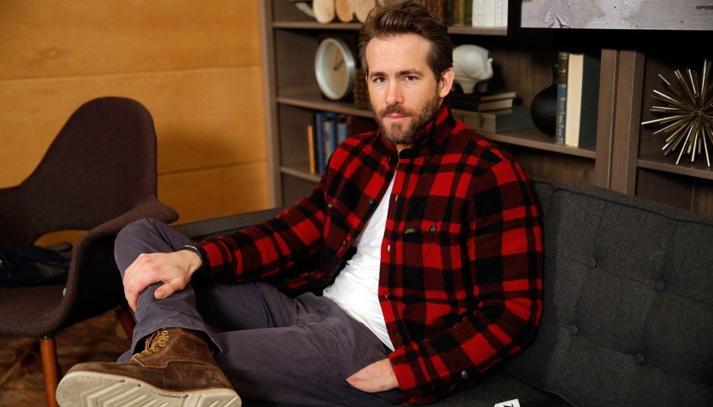 Ένα κατακόκκινο flannel πουκάμισο είναι δύσκολη επιλογή. Το κόκκινο είναι  ένα έντονο και πολύ εντυπωσιακό χρώμα 39788bd8d6a