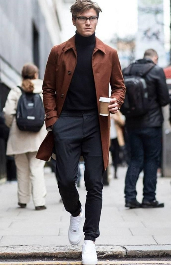 c9e0d210f33 Οι 4 πιο σωστοί τρόποι για να φορέσεις με στυλ το ζιβάγκο σου | Men ...