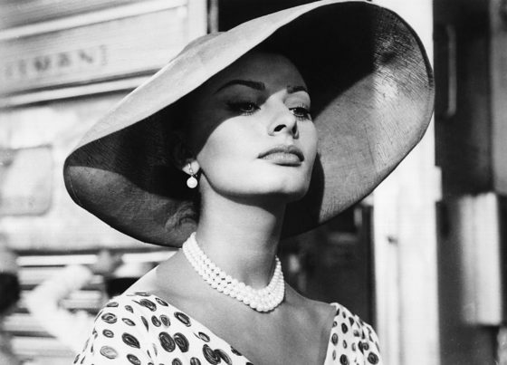 SOPHIA LOREN! THAT KIND OF WOMAN...