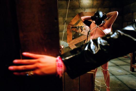 Susan Meiselas Ready for Mistress Kayla, The Dungeon. Pandora's Box, New York City. USA. 1995. © Susan Meiselas | Magnum Photos